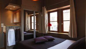 Les-Toits-de-Lyon-Gite-chambre-d-hotes-la-chambre-1