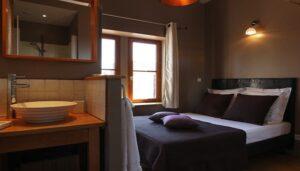 Les-Toits-de-Lyon-Gite-chambre-d-hotes-la-chambre