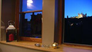 Les-Toits-de-Lyon-Gite-chambre-d-hotes-la-vue-de-nuit