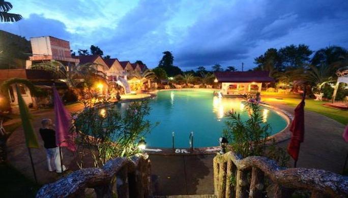 royal-oberoi-resort-hotel