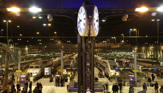 Gare-de-Lyon-interieur-nuit-quais---630x405---©-OTCP-Jacques-Lebar---174-23_block_media_big