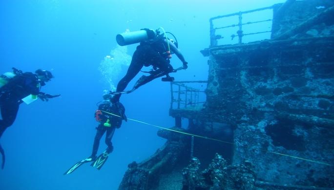 plongeur-sur-epave : INFOTRAVEL;FR