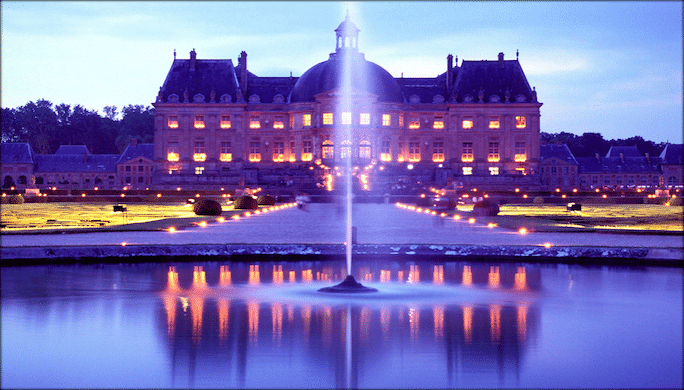 VAUX-LE-VICOMTE-BY-NIGHT-2