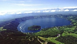 coatepeque-lake-el-salvador/infotravel.fr