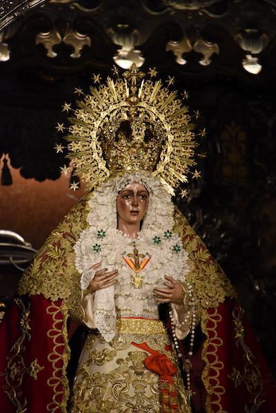 La Macarena Vierge de Seville ∏Stephane Isard