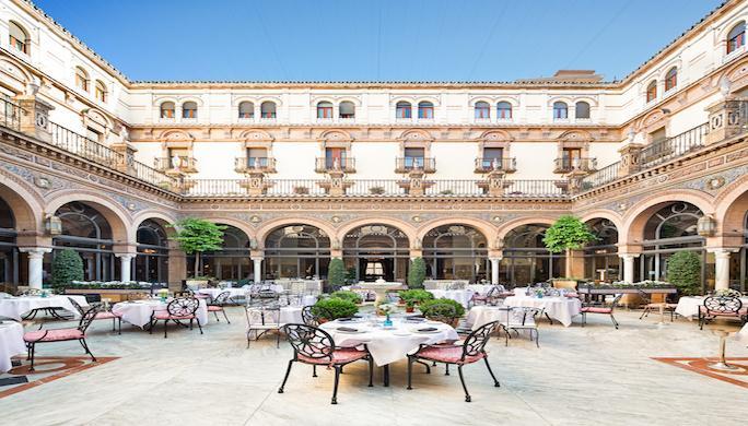 Le patio de l hotel Alfonso XIII ∏AlfonsoXIII