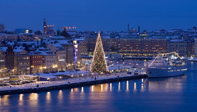 stockholm_view_christmas_tree_photo_henrik_trygg_high-res