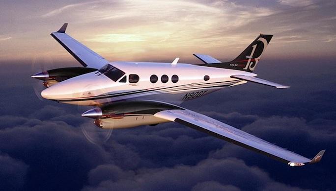 privatefly jet priv pour jeunes mari s. Black Bedroom Furniture Sets. Home Design Ideas