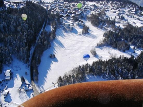 montgolfiere-neiges-neiges-les-carroz-d-araches-france-3048669696-920415