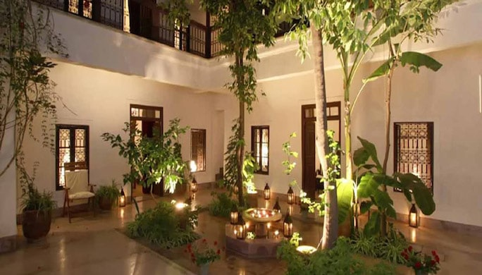 patio-riad-aman-nuit_1000x450