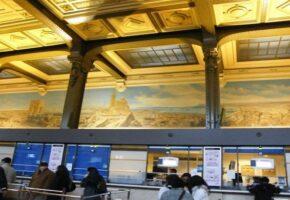 Fresque de la gare de Lyon, on passe devant sans la voir, elle est pourtant chargée d'histoire.