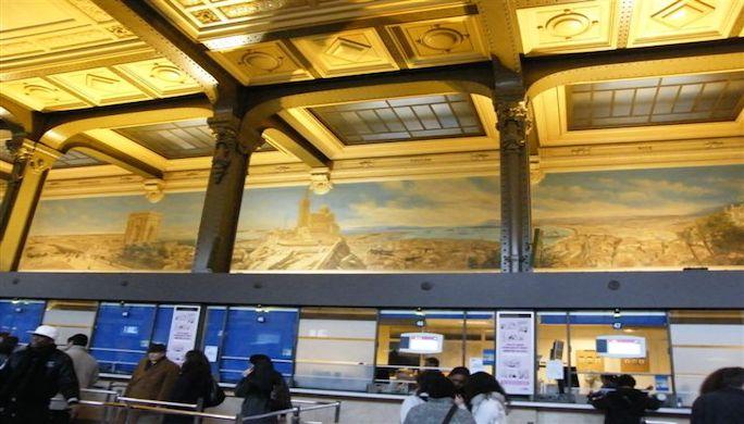 Fresque De La Gare De Lyon On Passe Devant Sans La Voir