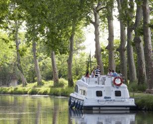 Le Boat :Vivre dans un cocon... au fil de l'eau