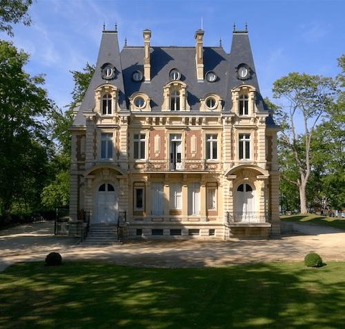 ILE ADAM, CHATEAU CONTI, FRANCE