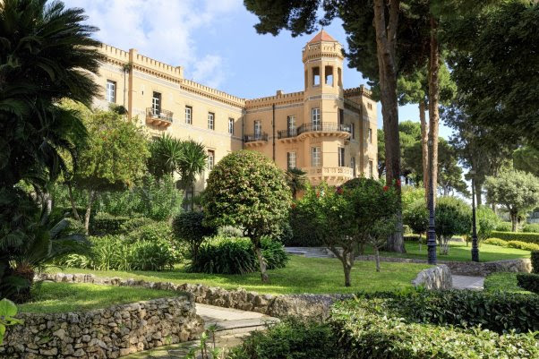 PALERME : LE GROUPE ROCCO FORTE HOTELS