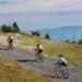 Débuter le vélo en montagne : 3 cols mythiques en Auvergne-Rhône-Alpes