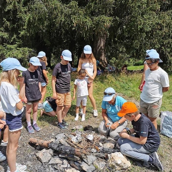 Enfants en stage trappeurs à Megève